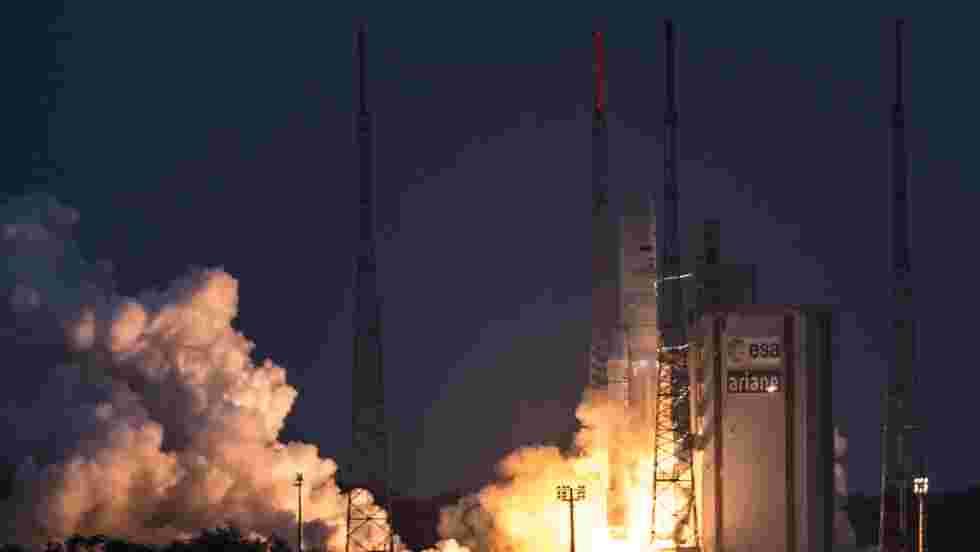 Ariane 5 lancera mardi deux satellites pour le Brésil et la Corée