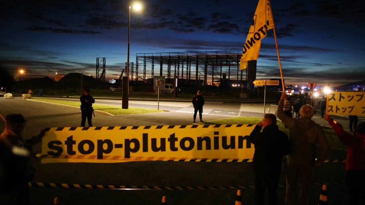 Arrivée à Cherbourg de MOX, combustible contenant du plutonium, pour le Japon
