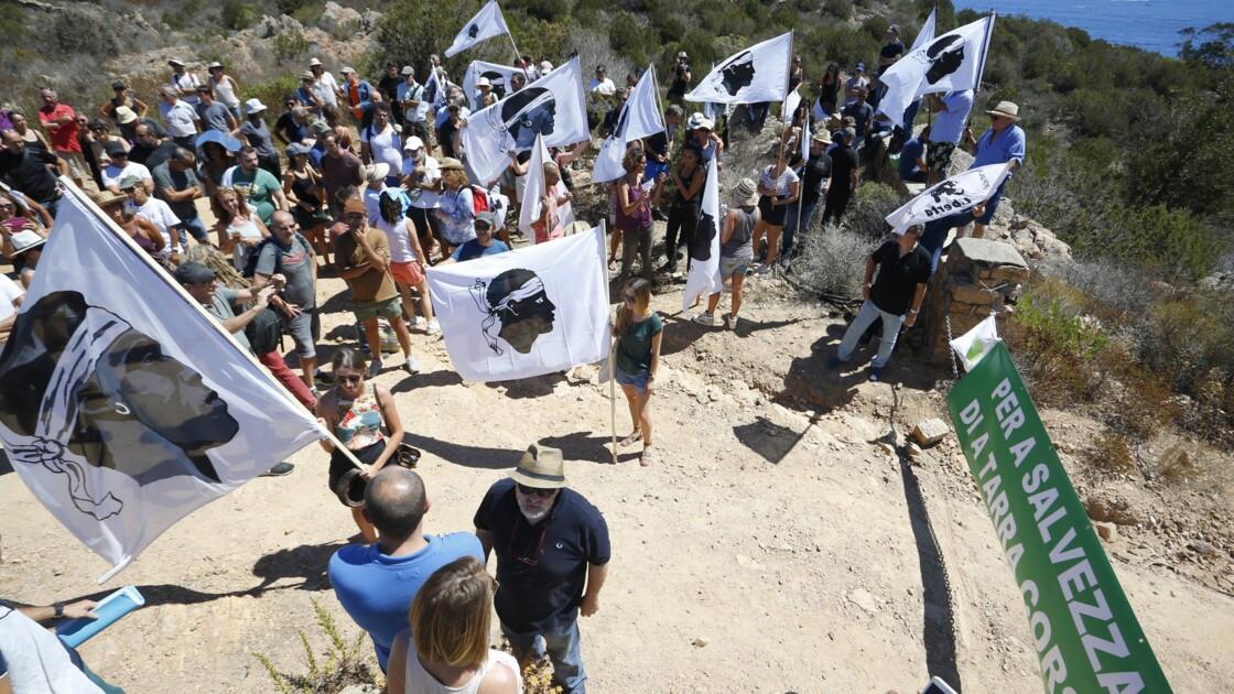 """Corse: le FLNC dit """"du 22 octobre"""" revendique l'attentat contre les villas Ferracci"""