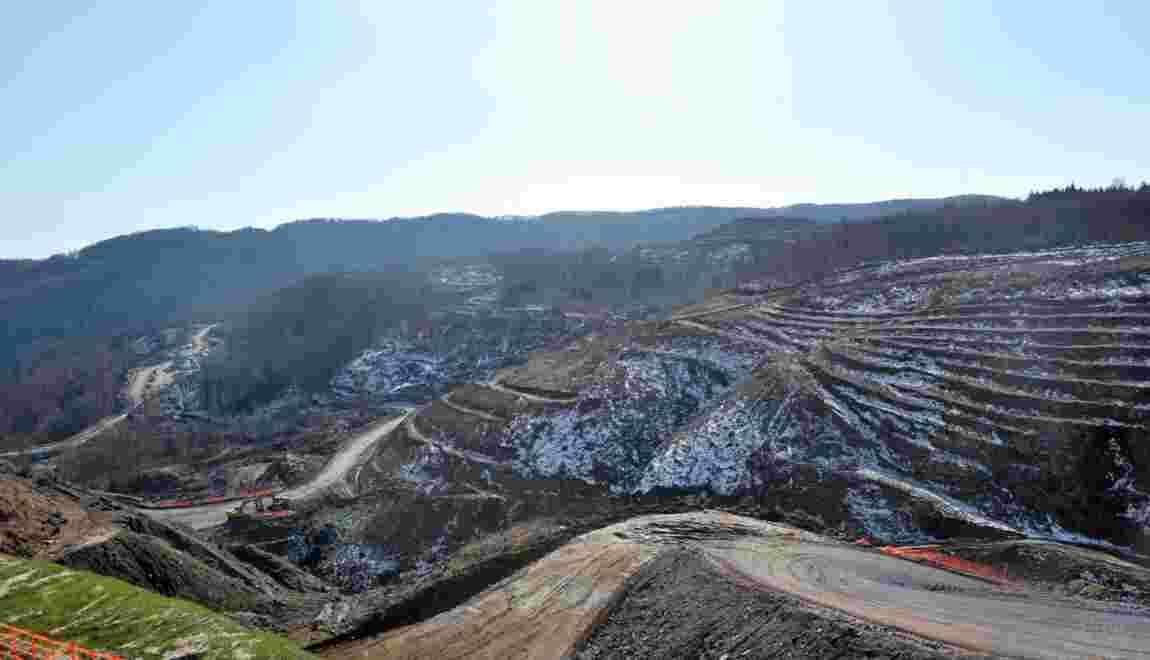 Grèce: le groupe minier Eldorado Gold suspend ses investissements
