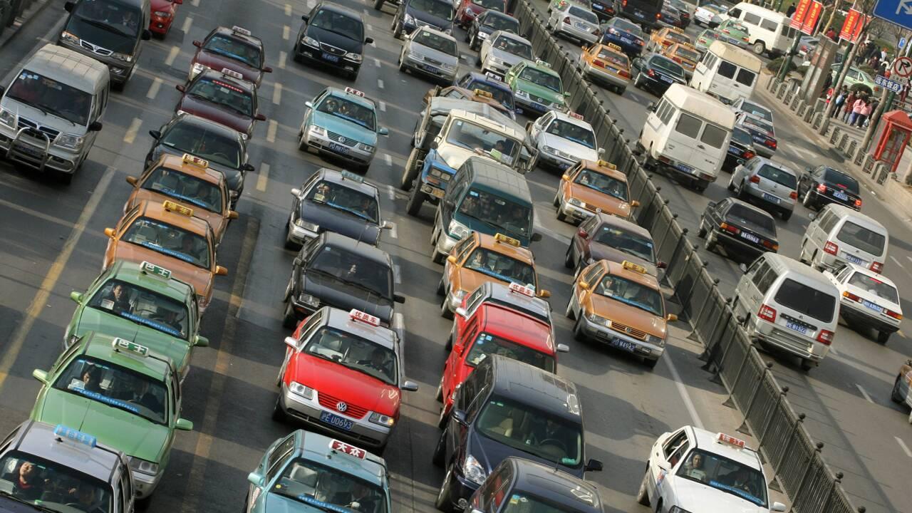 Voitures propres: la Chine repousse d'un an l'application de quotas pour les constructeurs