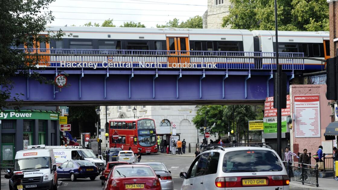Nouvelle taxe pour les conducteurs de voitures polluantes à Londres