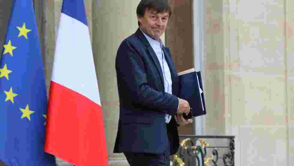 """Hulot demande à EDF un """"plan précis"""" pour développer les renouvelables"""