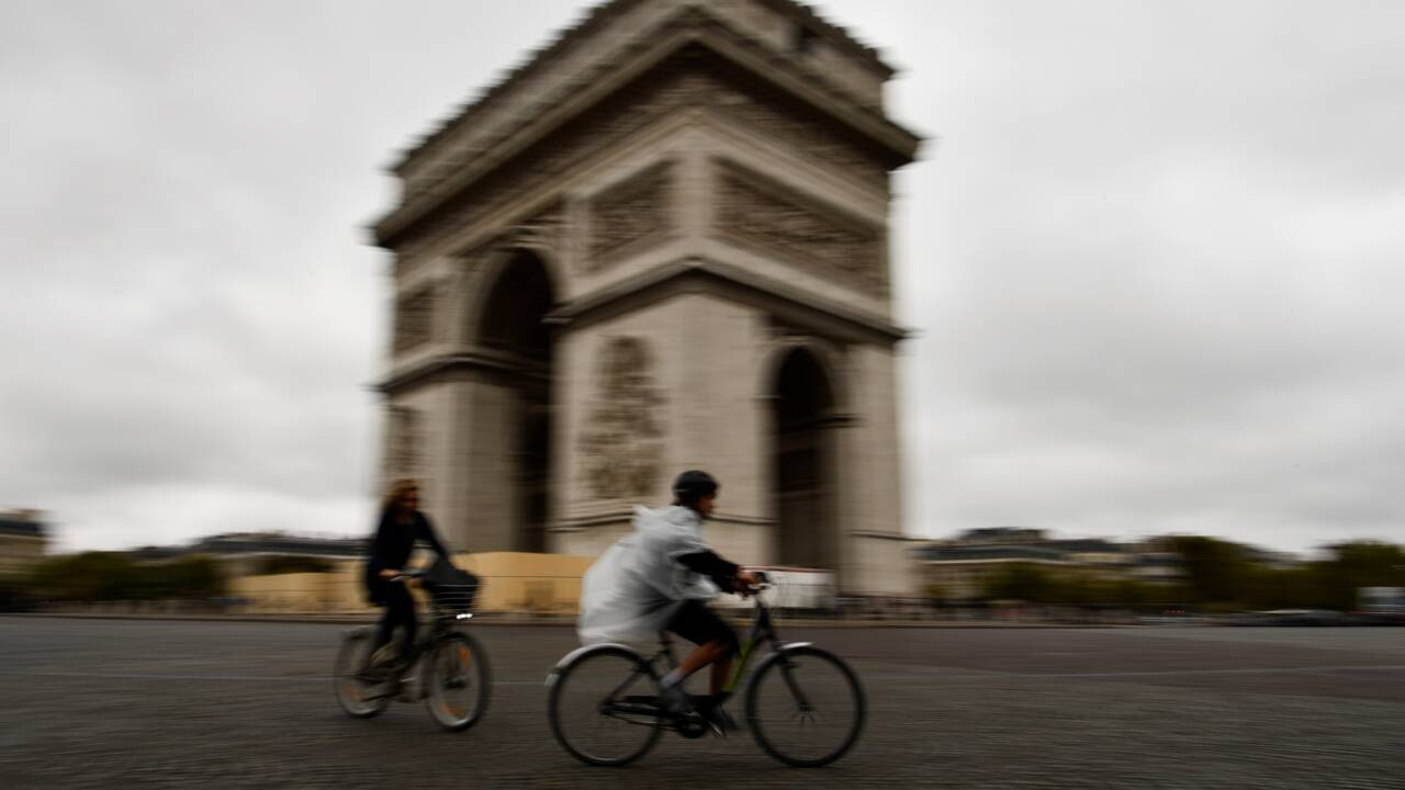 """Un fabricant néerlandais de vélos s'estime censuré en France pour sa pub """"anti-voitures"""""""