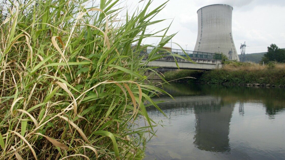 Nucléaire: LFI va organiser une votation citoyenne pour ou contre