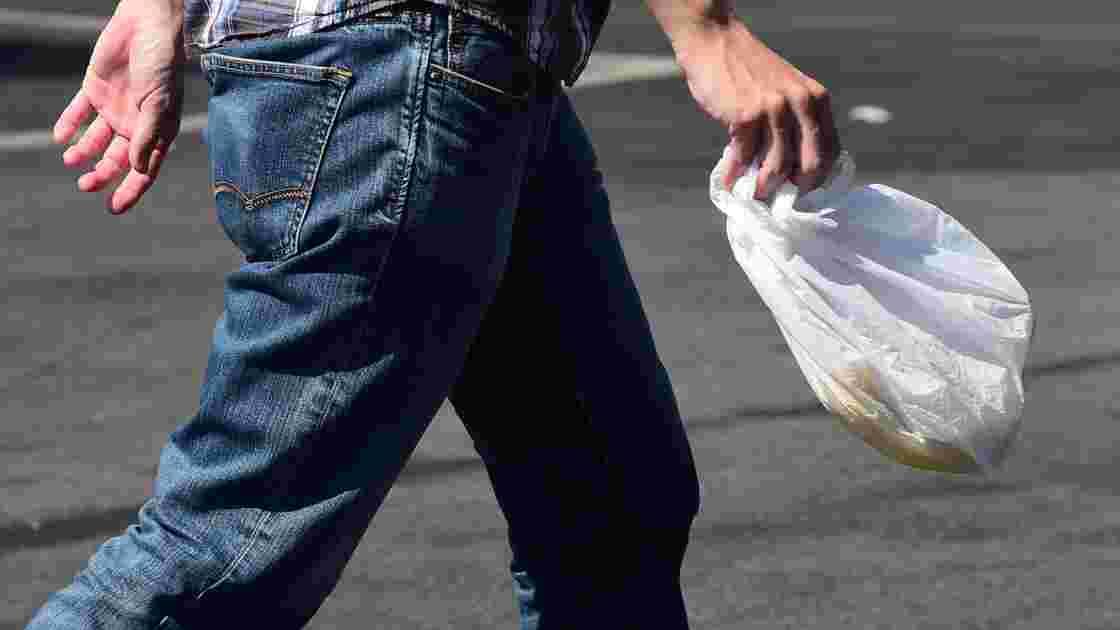 La Tunisie interdit les sacs plastique dans les supermarchés