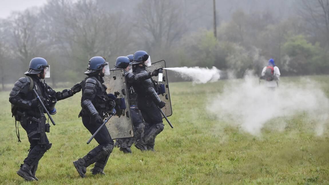 NDDL: reprise des opérations d'expulsion sous les gaz et les grenades