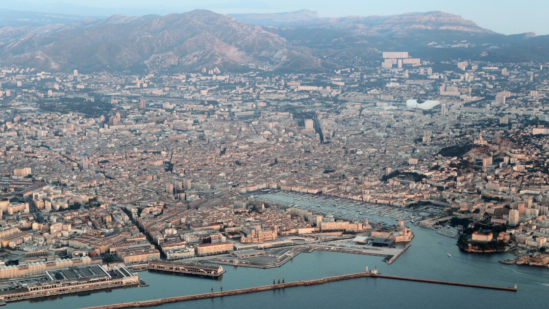 Pollution atmosphérique: un capitaine de navire de croisière poursuivi pour la première fois