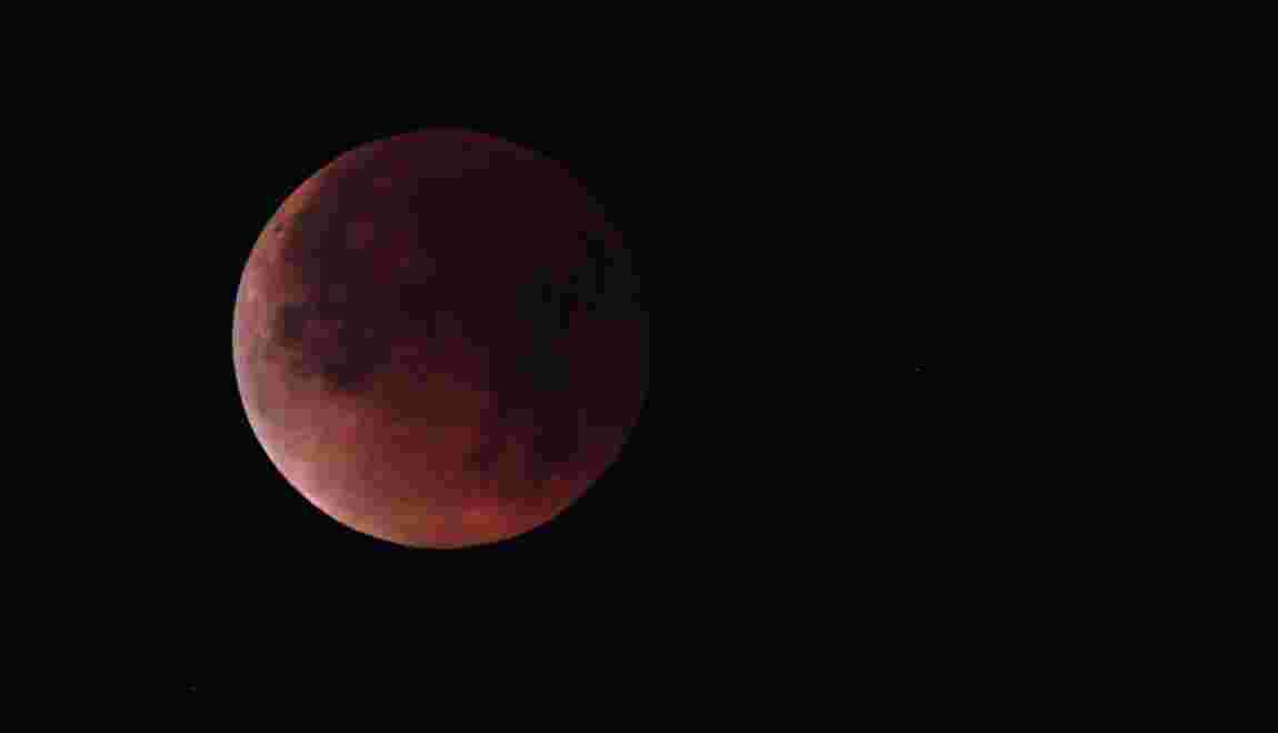 eclipse mars lune