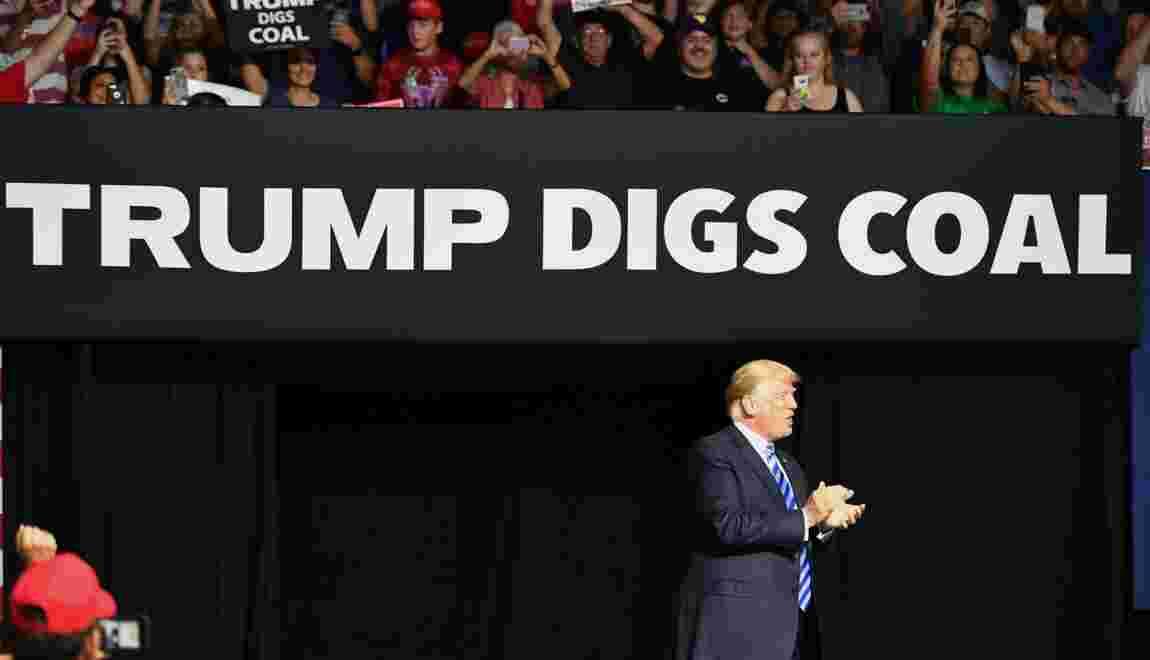 """Le """"charbon propre"""" vanté par Trump, une technique coûteuse"""