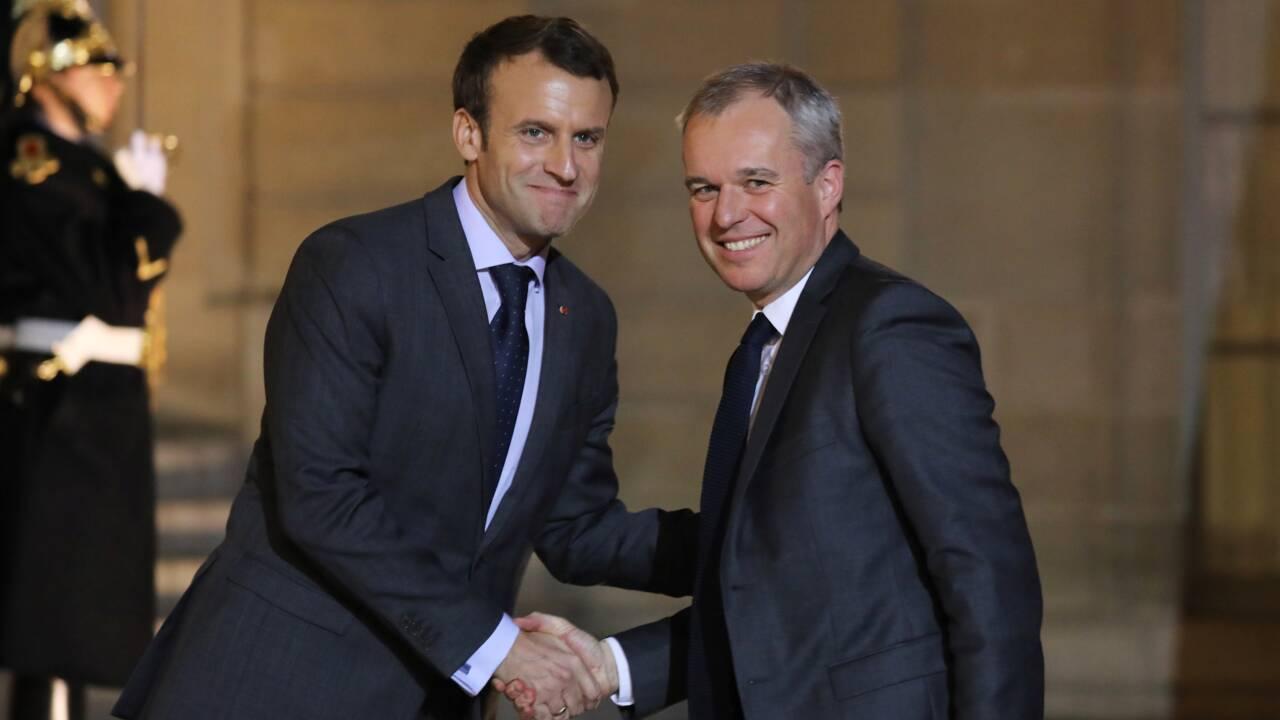 Macron tente de reprendre la main avec un remaniement restreint