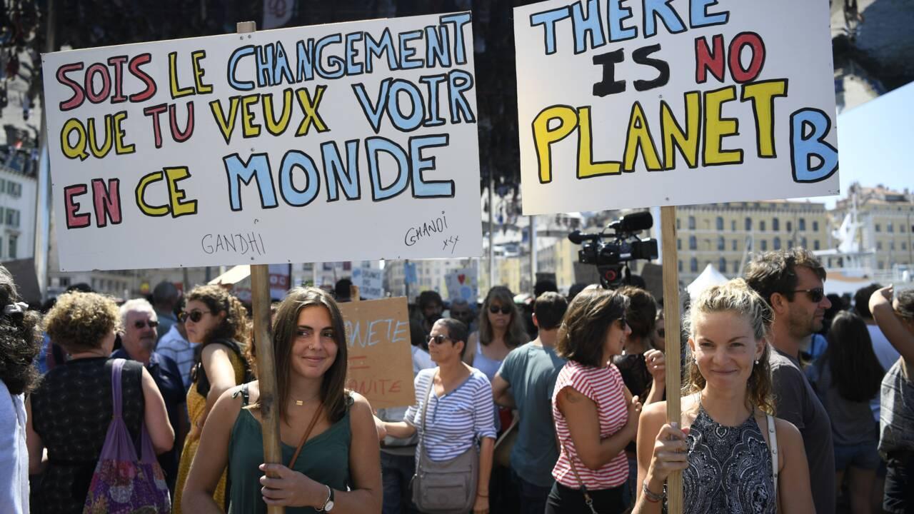 Mobilisation inédite pour le climat à travers la France