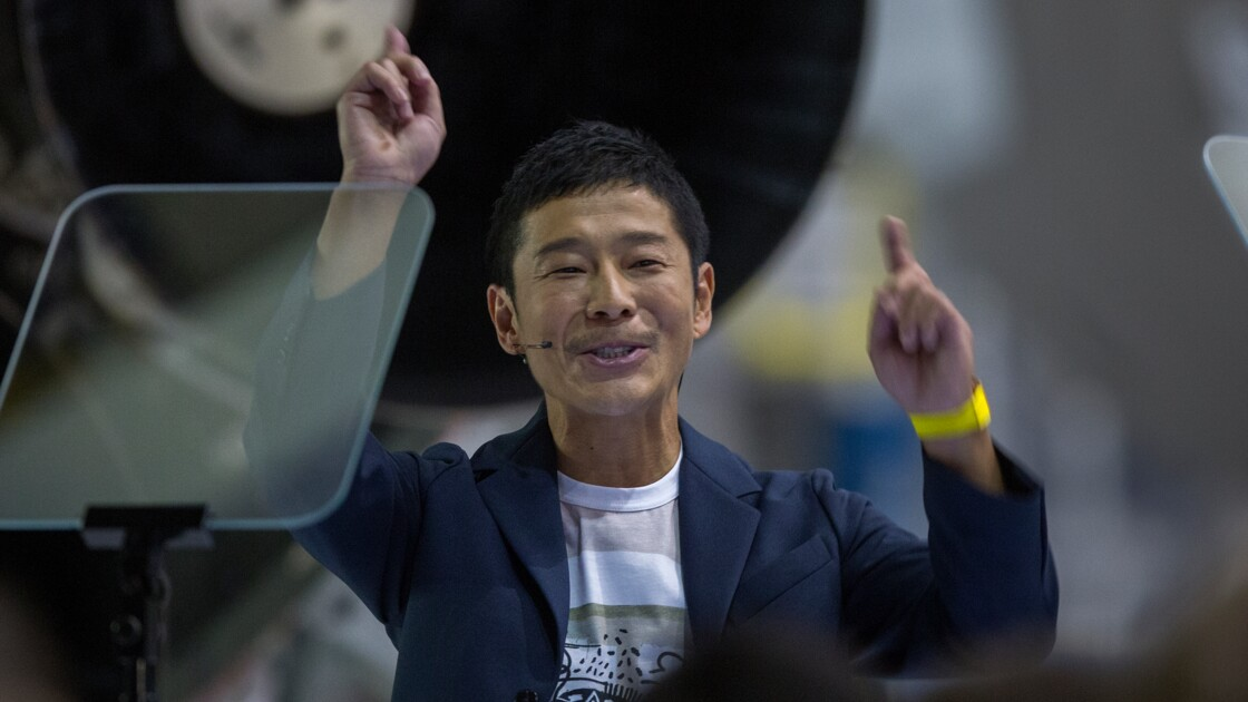 Le milliardaire Yusaku Maezawa et des artistes, premiers touristes autour de la Lune en 2023