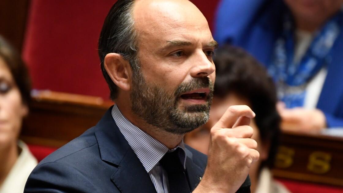 """""""Gilets jaunes"""" : """"la loi s'applique"""", les blocages de routes seront sanctionnés, prévient Philippe"""