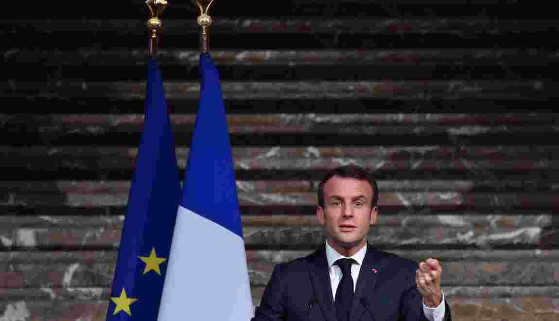 """Gilets jaunes, loi énergie: Macron présente une """"stratégie"""" à double détente"""