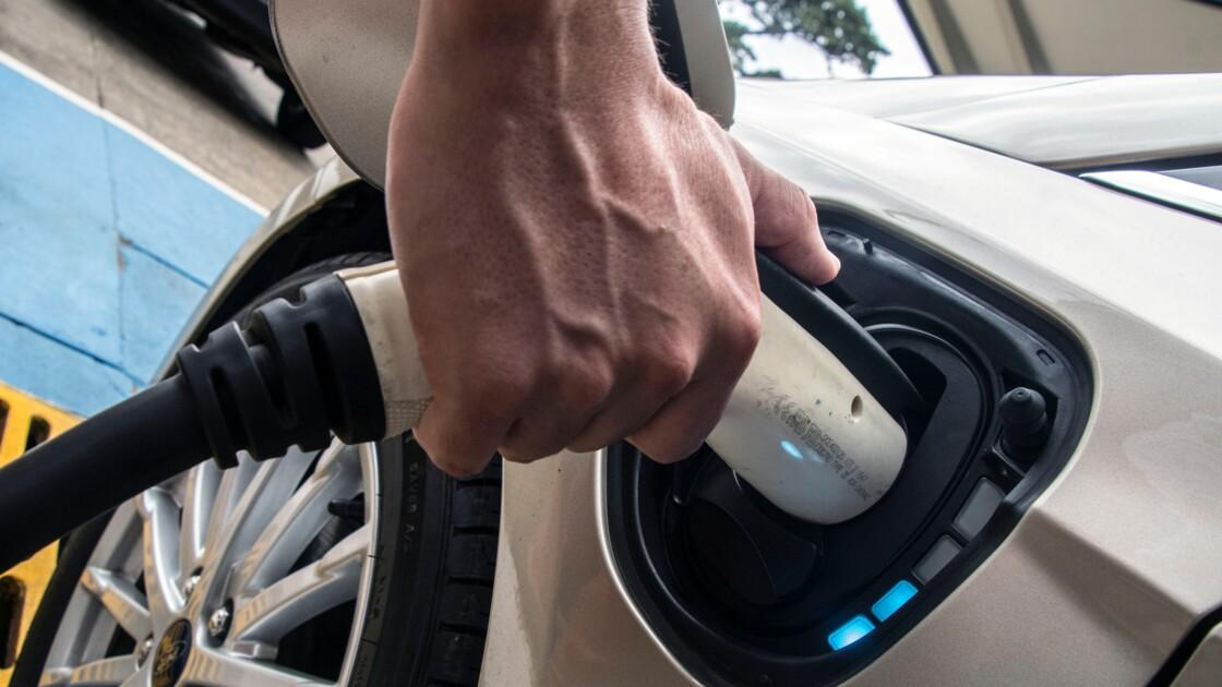Expérience réussie pour recharger une voiture électrique en 10 minutes
