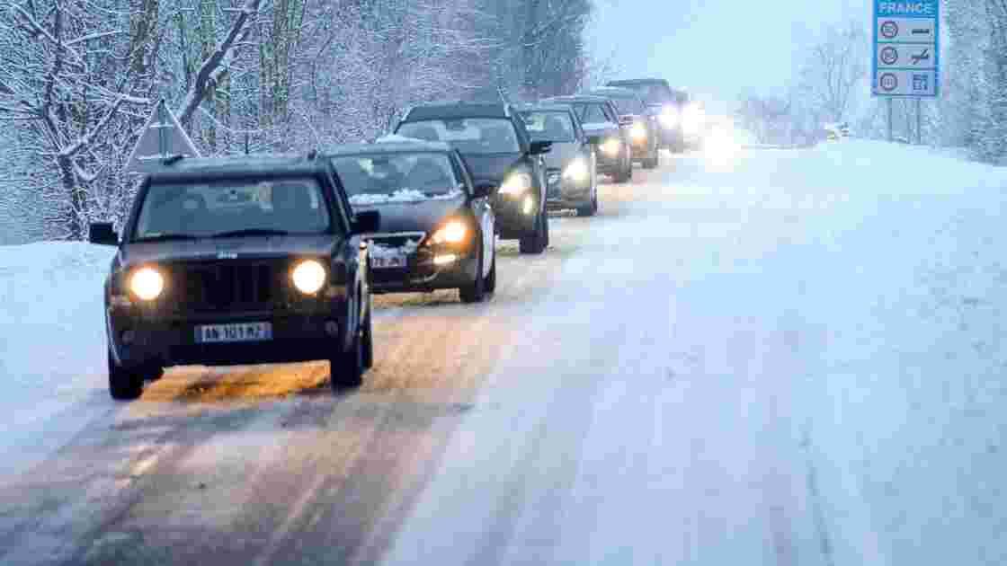 La tempête Gabriel quitte la France vers l'Allemagne, plus qu'un département en vigilance neige-verglas
