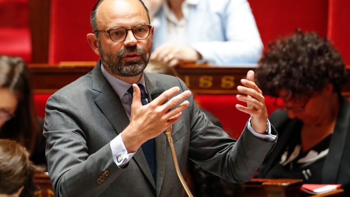 Gaspillage: la destruction des produits non alimentaires invendus va être interdite, annonce Philippe