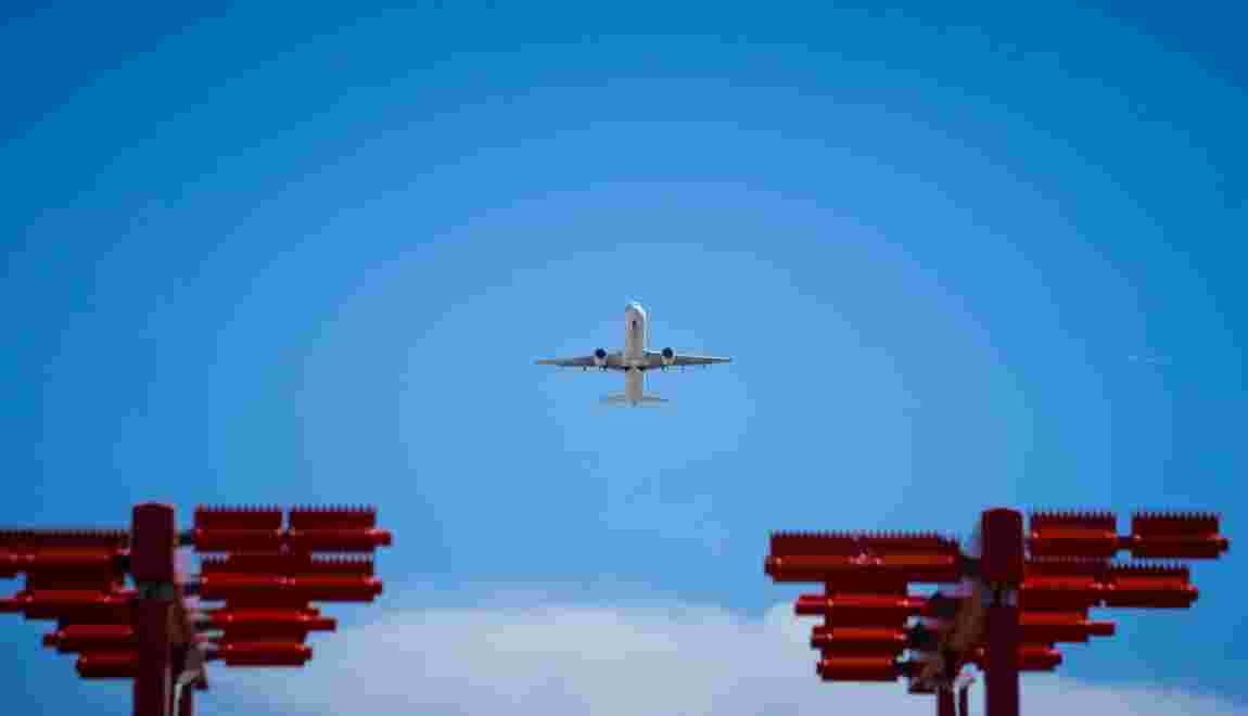 La future taxe sur les billets d'avion va-t-elle plomber le trafic aérien?