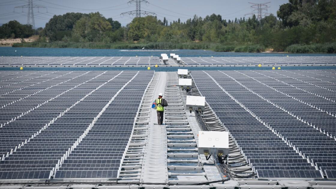 En Provence, la première centrale solaire flottante de France