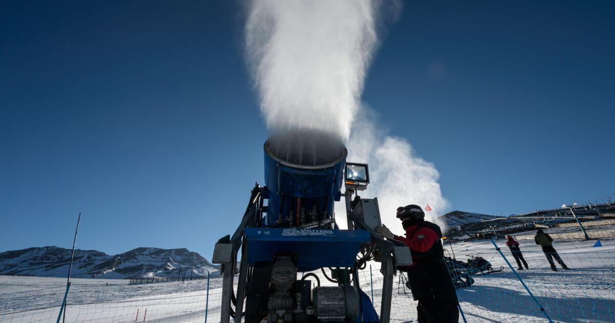 Chili: le changement climatique oblige les stations de ski à utiliser des canons à neige