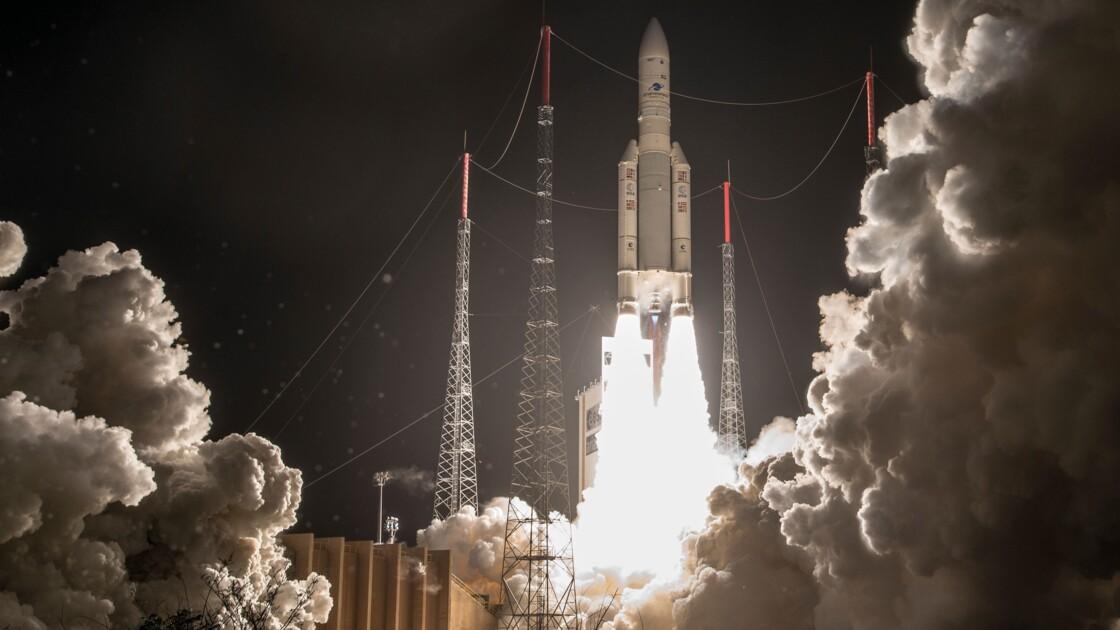 Ariane doit lancer jeudi deux satellites de télécommunications