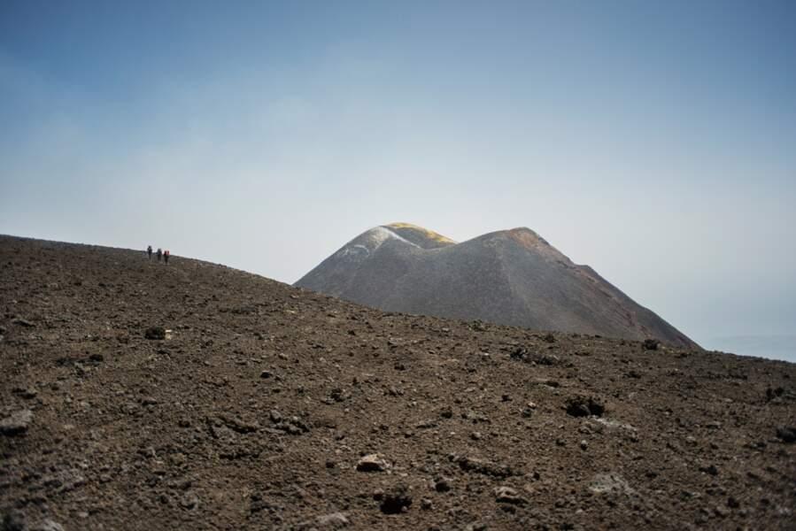 L'Etna, volcan à cinq cratères actifs