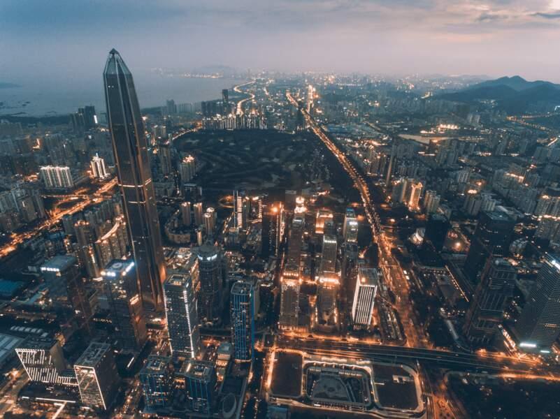 5. Le Ping An Finance Centre en Chine avec 599 mètres de hauteur (2017)
