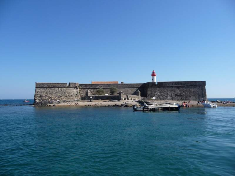Explorer le fort Brescou