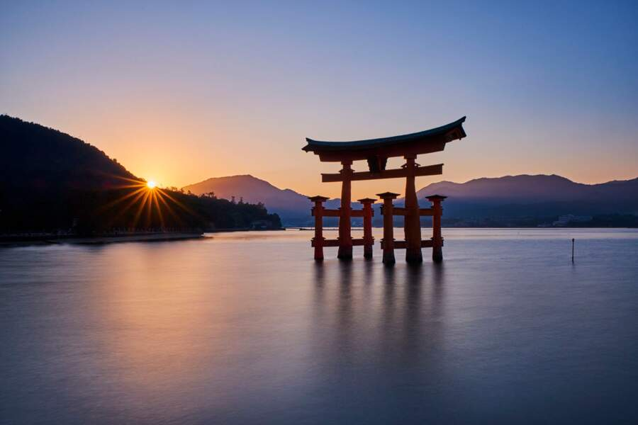 Le torii flottant du sanctuaire d'Itsukushima