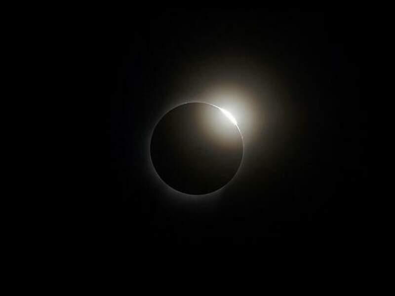 """""""Diamond ring"""" : quand l'éclipse évoque une bague ornée d'un diamant"""