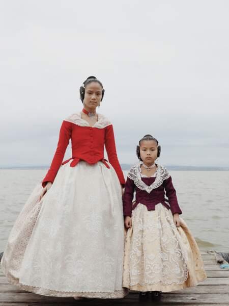 """Robes traditionnelles """"falleras"""" à Valence, en Espagne – Catégorie """"portraits"""""""