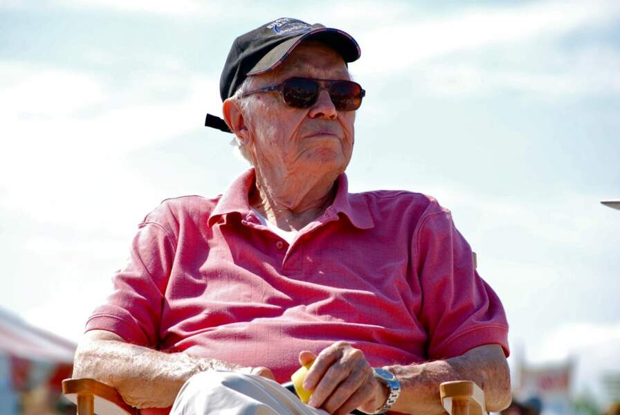 "Dutch Van Kirk : L'homme qui a conduit ""Little boy"" à Hiroshima"