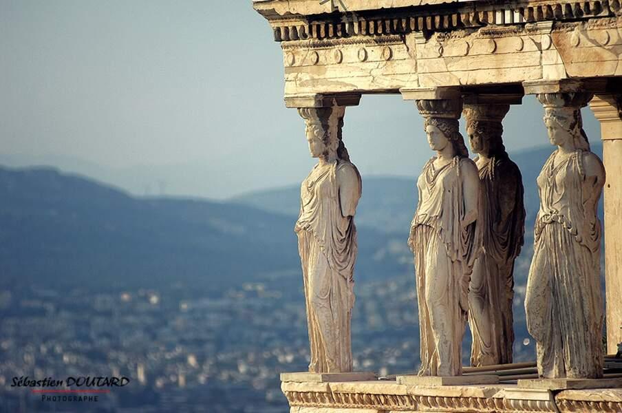 Cariatides de l'Érechthéion, sur l'acropole d'Athènes