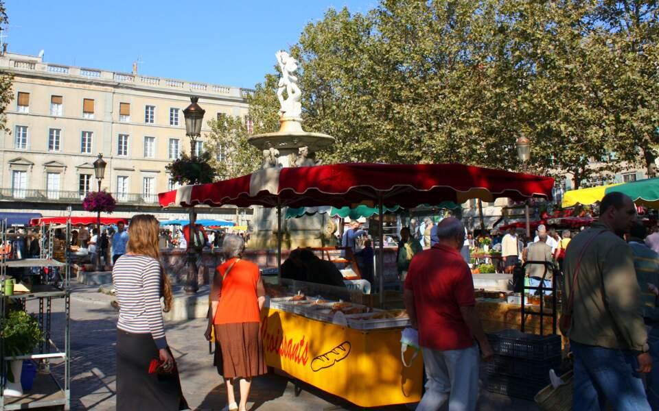 La place Carnot et sa fontaine