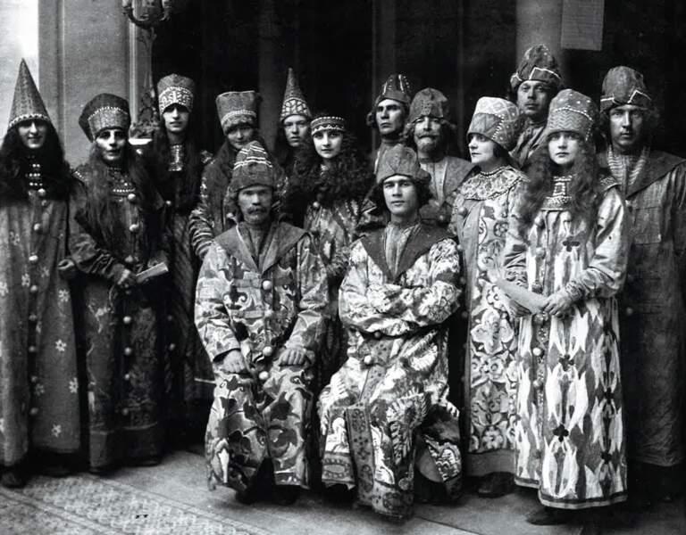 Costumes et musiques traditionnels