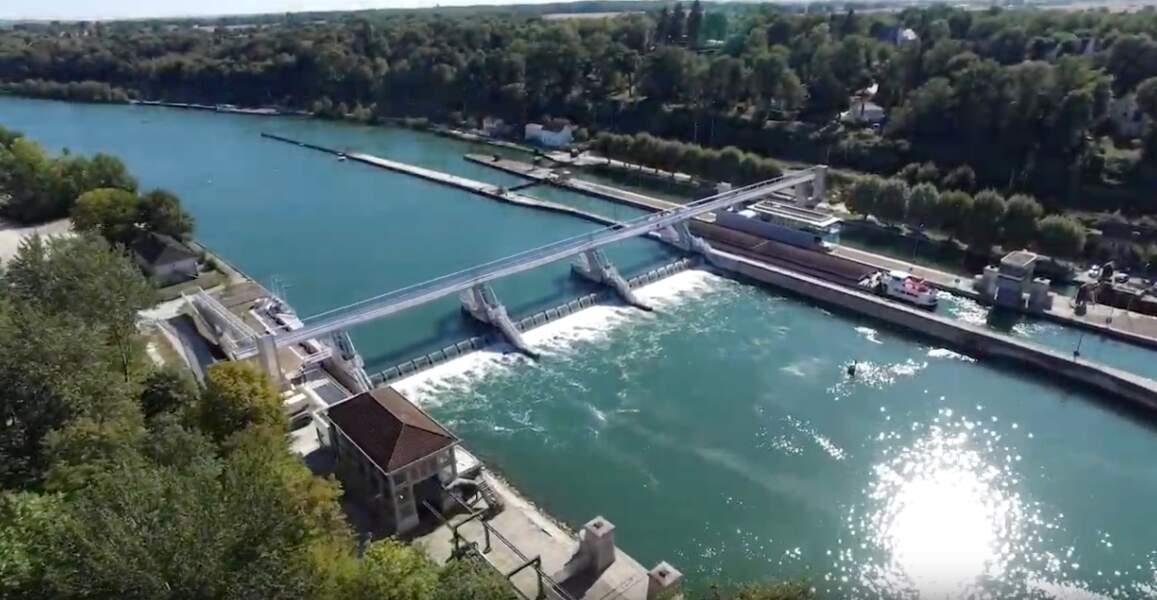 Les écluses et le barrage de Vives-Eaux, à Boissise-la-Bertrand