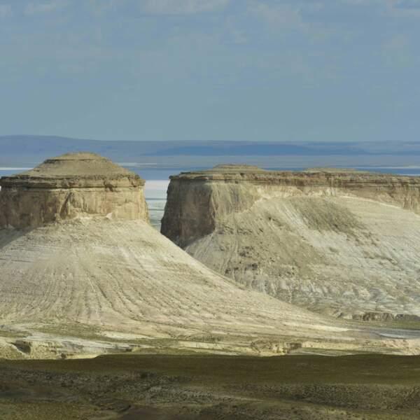 Dans le Manguistaou, le canyon blanc de Bozzhira