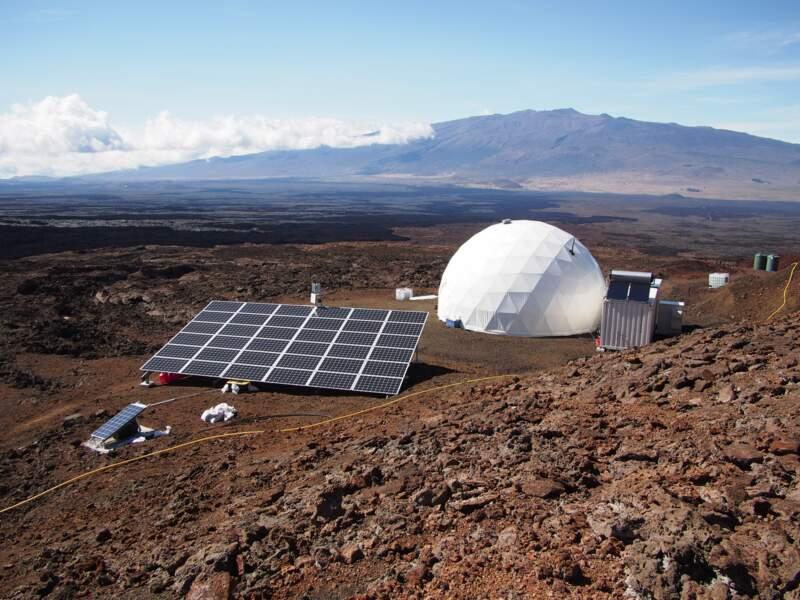 Vue sur l'habitat des spationautes au sein de la HI-SEAS à Hawaï