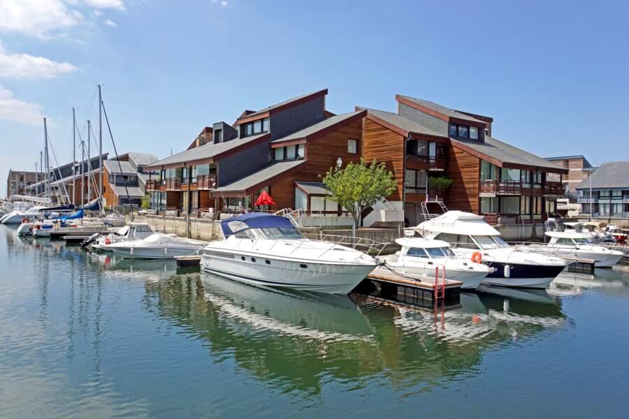 Port-Deauville, le littoral normand dans toute sa splendeur