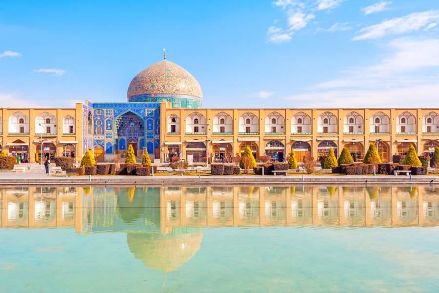 Place Naghsh-e Jahan et mosquée du Sheikh Lotfallah à Ispahan