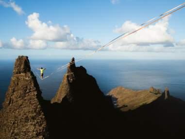 En Polynésie, des funambules entre les pics rocheux des Marquises