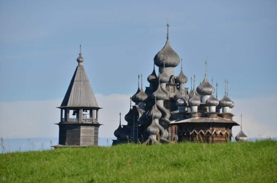 Photo face au pogost de l'île de Kiji (Russie) par le GEOnaute : webigno