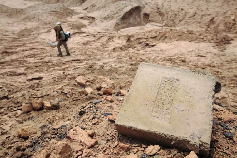 À la recherche de trésors ensevelis sur le site d'Eridou
