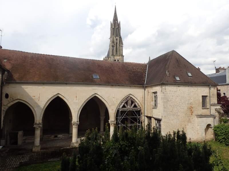 Hôtel-Dieu de Garlande, à Senlis