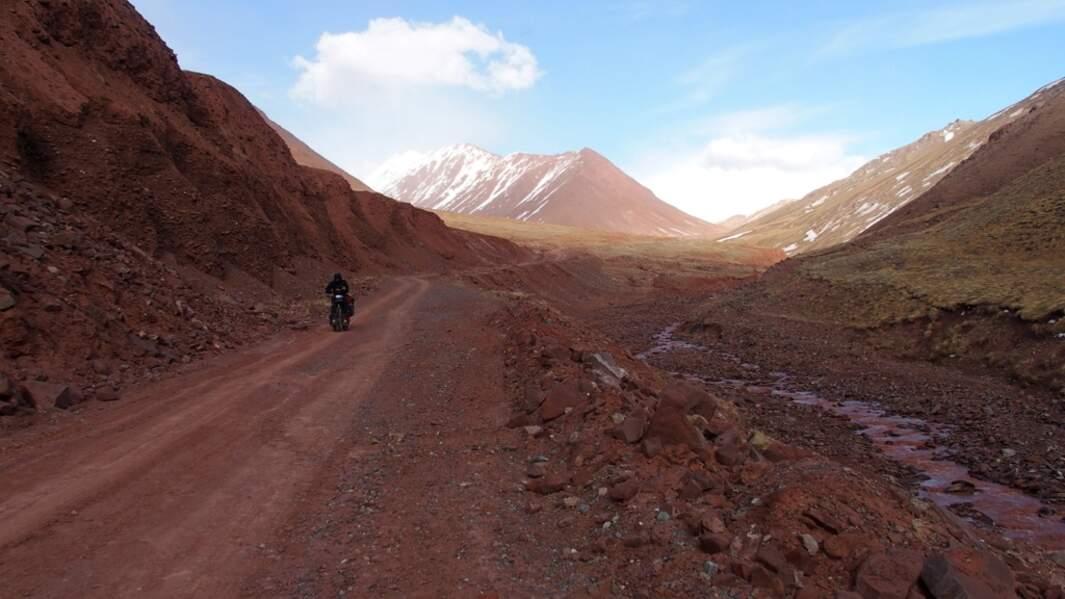 Route terreuse au Tadjikistan