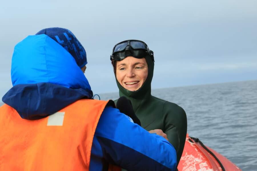 Aurore Asso, prête à s'immerger dans les eaux gelées de la mer de Sibérie