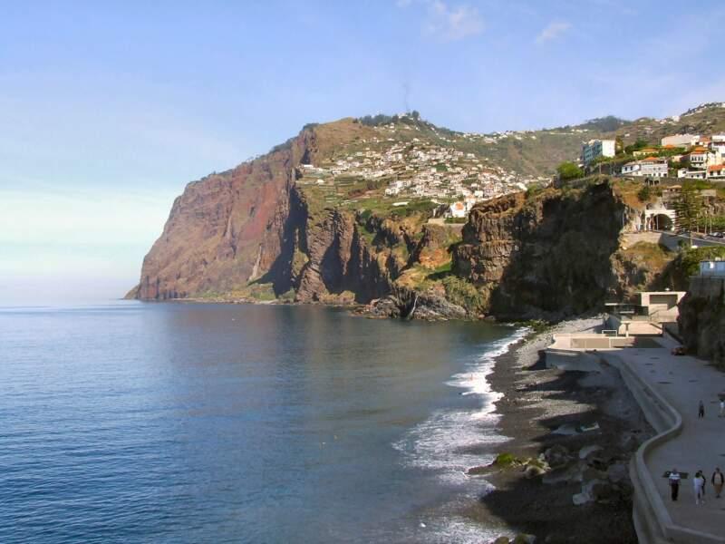 La falaise du Cabo Girão (cap du Retour)