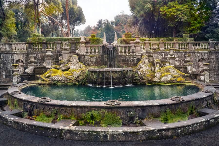 Fontaine des géants, dans la villa Lante, près de Viterbe