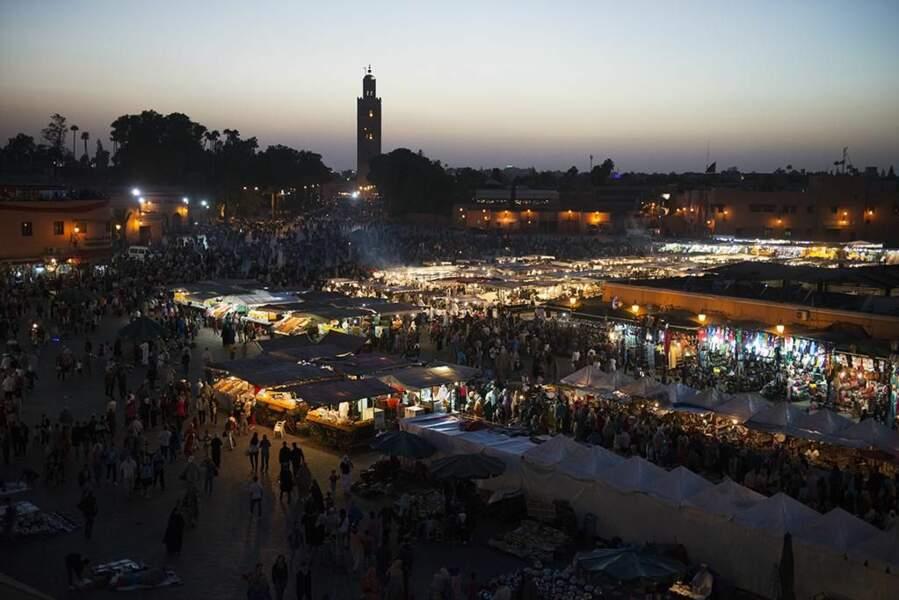 Photo prise place Jemaa el-Fna à Marrakech (Maroc), par ApoThieNe